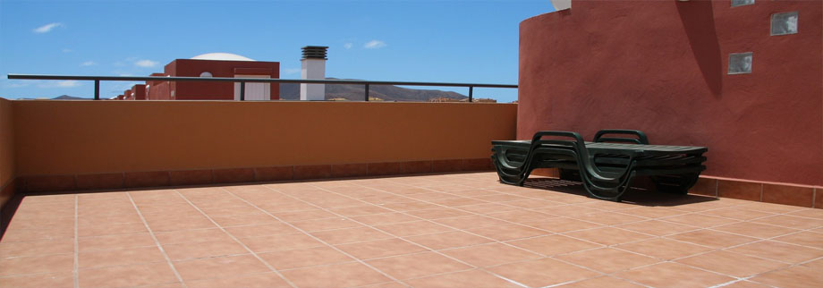 The rooftop solarium in our rental villa Fuerteventura